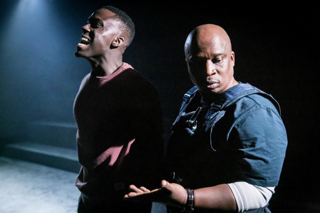 © Johan Persson, ayo Gbadamosi (Ben) and Desmond Dube (Buthelezi)