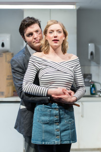© Manuel Harlan, Robyn Addison (Carly), Tom Burke (Greg)