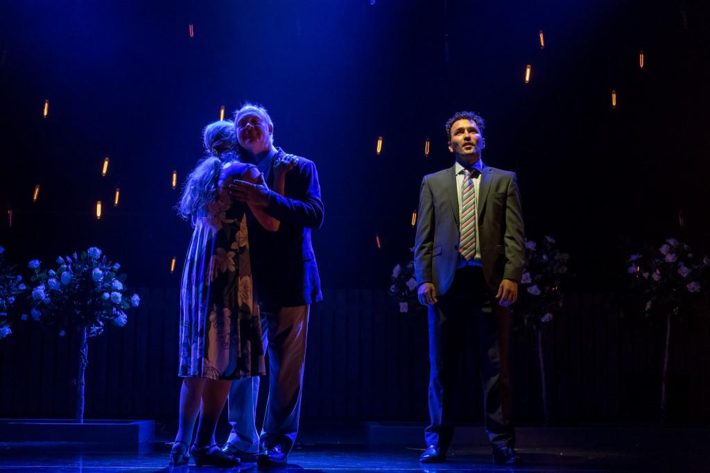 © Manuel Harlan, Imogen Stubbs and Ewan Stewart, and Richard Mylan as Ben Price remembering happier times...
