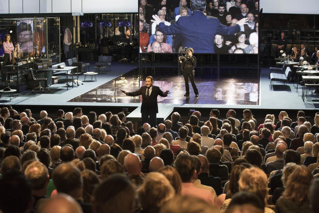 © Jan Versweyveld, Howard Beale exhorting his audience finally to trust in each other, not media or corporatism...
