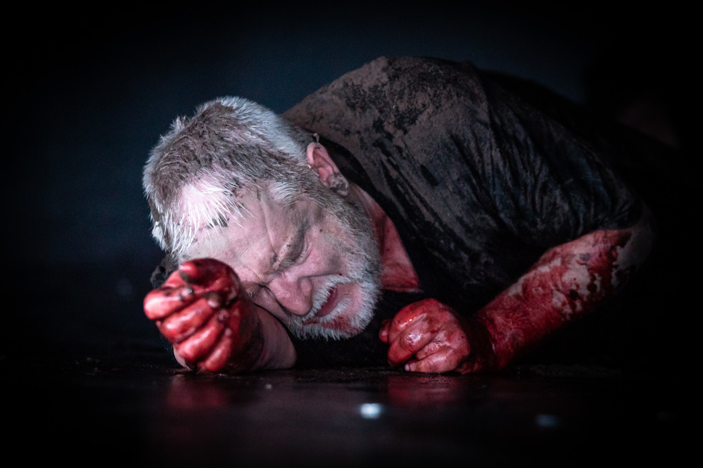 © Marc Brenner, Simon Russell Beale. Richard II, down and out...