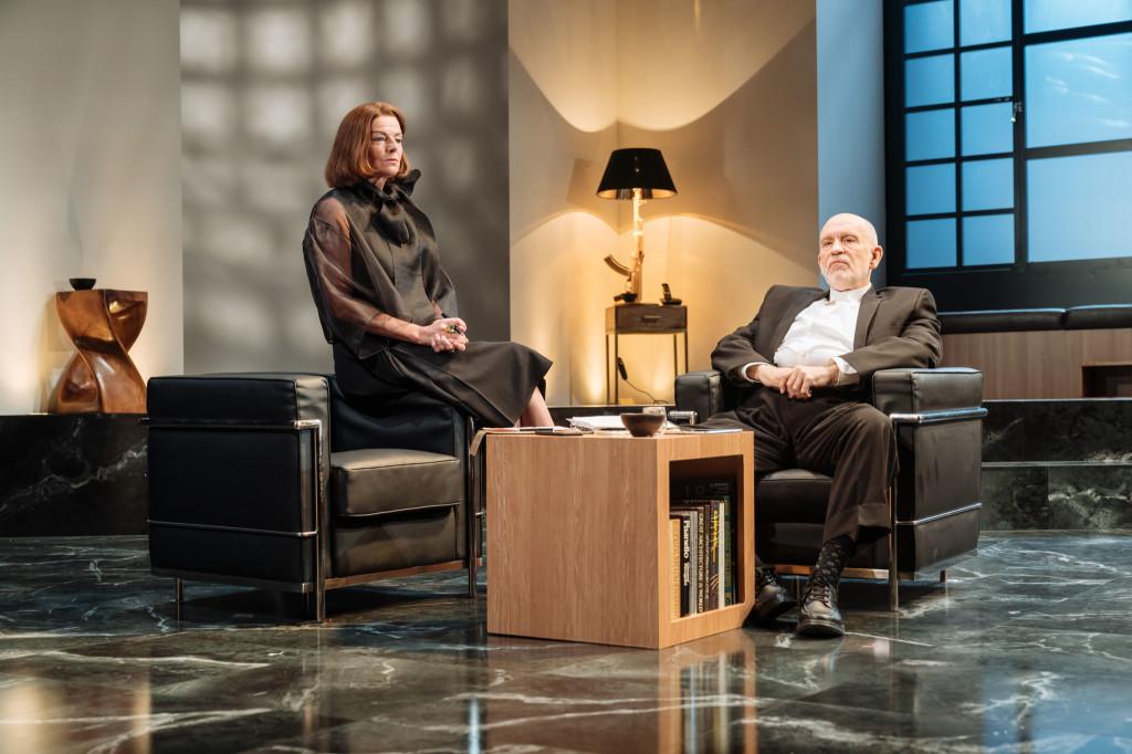 © Manuel Harlan, Doon Mackichan as Sondra, loyal PA to movie mogul, Barney Fein (John Malkovich)...