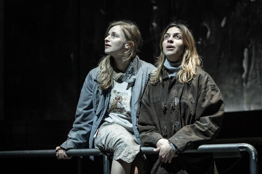 © Marc Brenner, Faye Marsay (Adele) and Natalia Tena (Katia), who share the romance of another Europe and end up going in search of it, together...